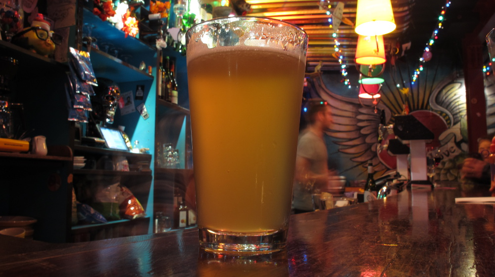 Stone & Wood 'Pacific Ale' at Golding's (30 August 2014)